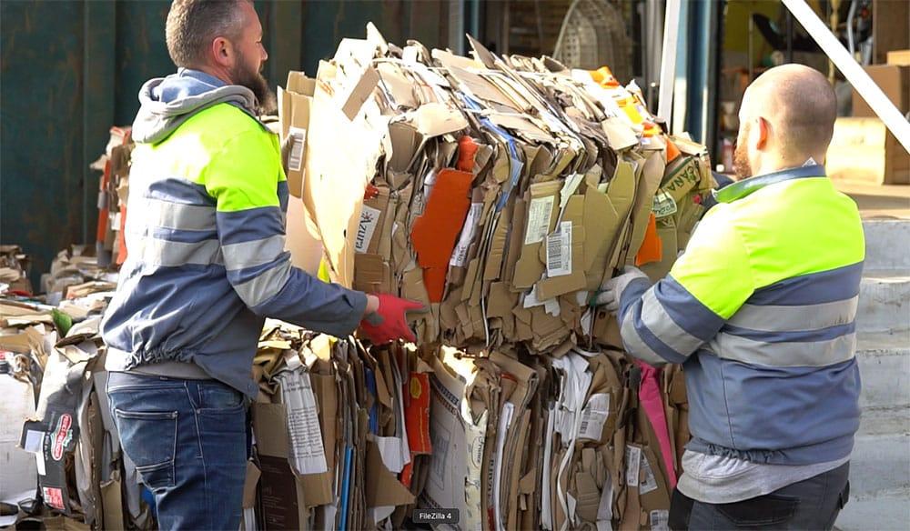 Débarras de cartons