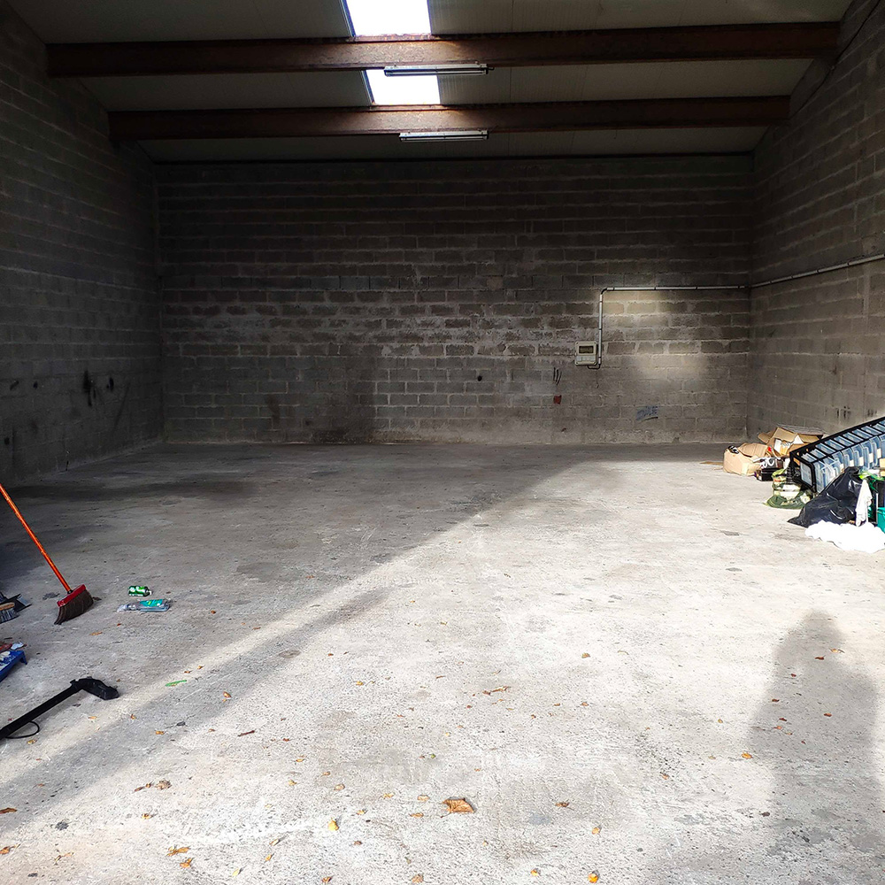 Vide entrepôt 2