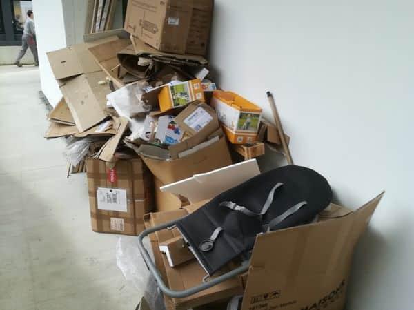 Débarras de cartons dans une crèche à Nantes